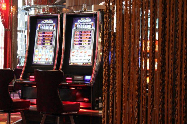 Kādi ir azartspēļu pakalpojumu sniegšanas licences saņemšanas nosacījumi Latvijā?