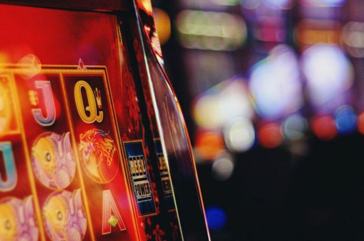 Azartspēles Latvijā: kāpēc ir nepieciešamas licences?